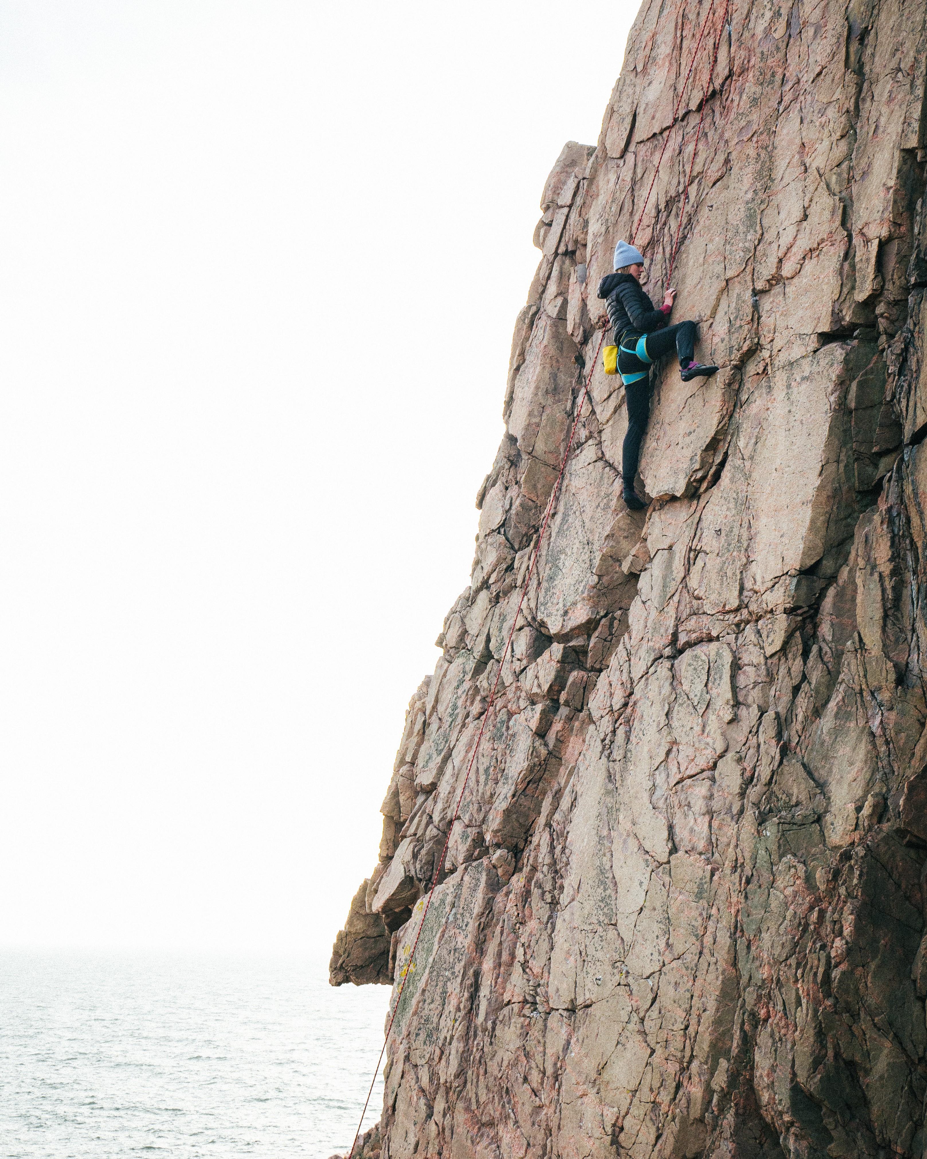 On Edge climbing